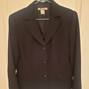 Nygard Black Ladies Blazer Size 10.Petite